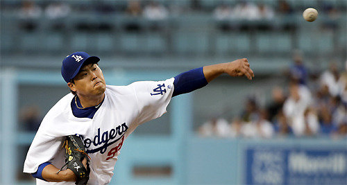 Ryu Hyun-jin leads Dodgers' 1st win over Minnesota without Kershaw