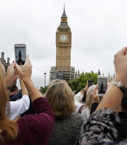 Big Ben's bell goes silence for four years