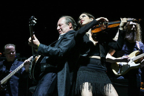 'Slow Life Slow Live' concert features Hans Zimmer's performance