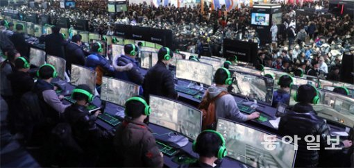 G-STAR 2017 features e-sports enjoyed by live broadcast