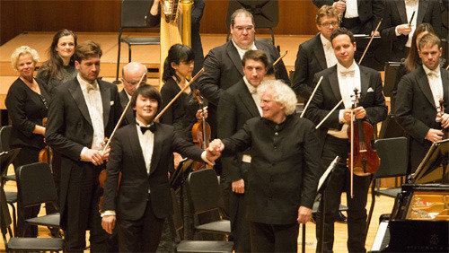 Cho Seong-jin performs with Berlin Philharmonic in Seoul