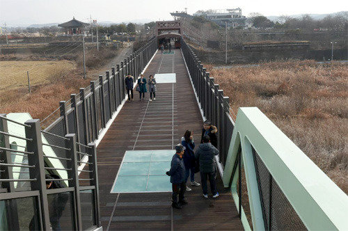 Imjingak's skywalk visited by 200,000 people in a year
