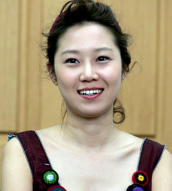 Gong Hyo-jin Turns Into Giddy Young Teacher