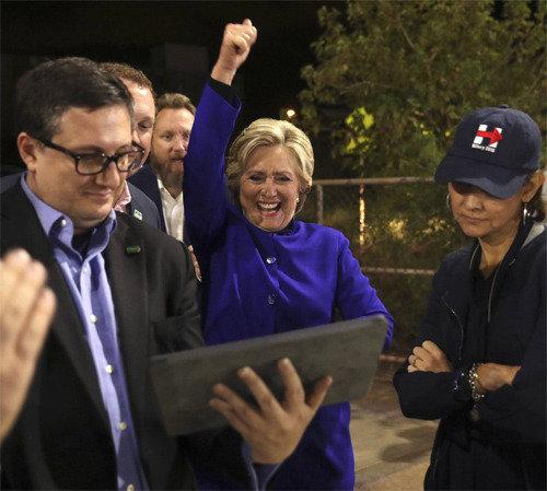 クリントン氏の勝利を予想した米有力紙 「トランプ氏が勝つことも」
