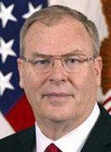 トランプ氏「国防副長官に留任を要請」、北朝鮮情勢に憂慮