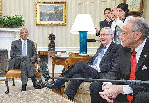 「疎通の達人」オバマ氏、政敵を招いてサンドイッチ会合