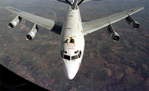 米軍の大気収集機WC-135が嘉手納基地から緊急出撃、北朝鮮の核実験間近か