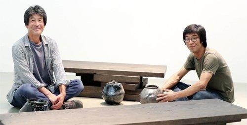 塗工と大工が焼き物と家具のコラボ展示