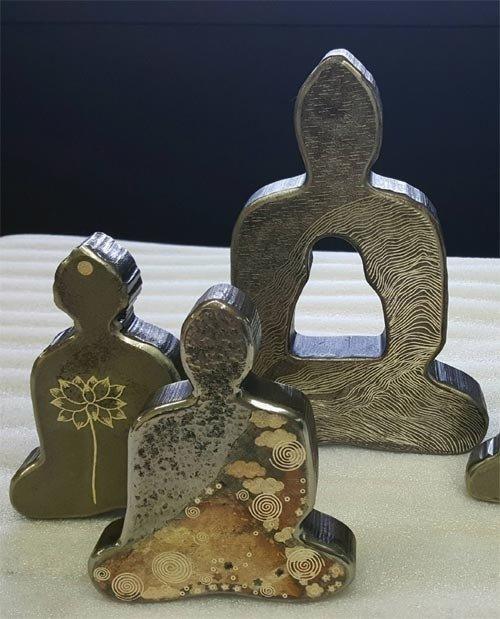 金糸で刺繍した森羅万象の美しさ、「入絲匠」名人イ・ギョンジャさんが作品展