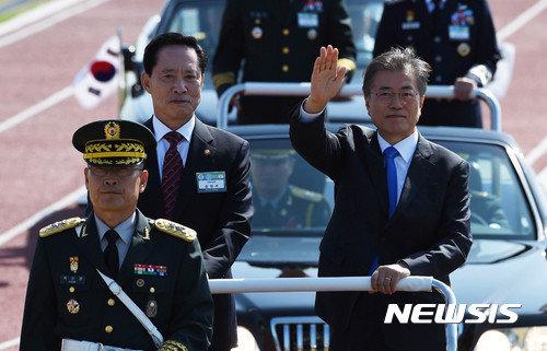 文大統領、「韓国が戦作権を持ってこそ北朝鮮が恐れる」