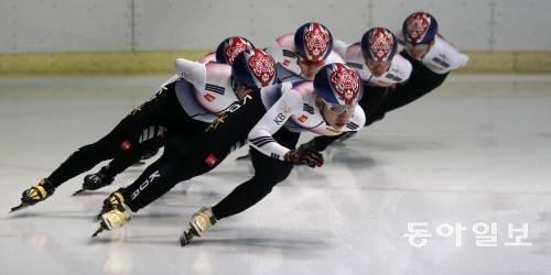 韓国の男女代表、ショートトラックW杯第1戦の6種目で優勝