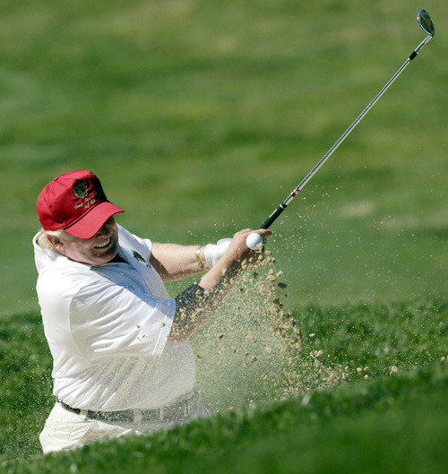 ゴルフ好きのトランプ氏、就任後10ヵ月間62回ラウンド