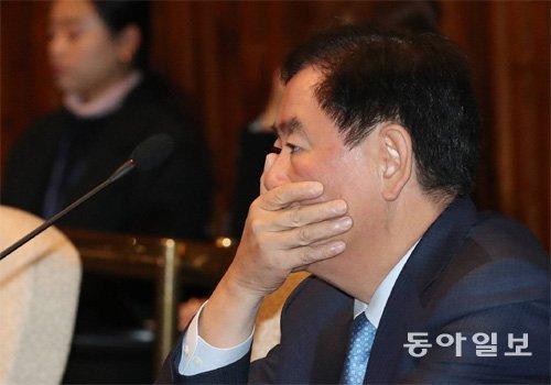 検察、「崔炅煥議員に1億ウォン伝達」供述確保