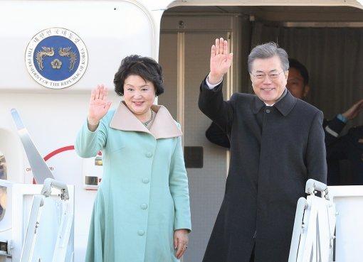 文大統領が重慶臨時政府庁舎を訪問、現職大統領では初めて