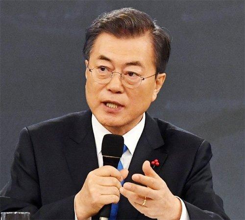 文大統領、「北朝鮮の非核化は譲歩できない」