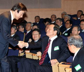 尹炳世外交長官「米中からのラブコール、ジレンマではなく祝福」