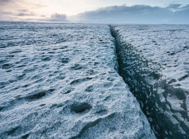 얼음의 땅  I·C·E·L·A·N·D
