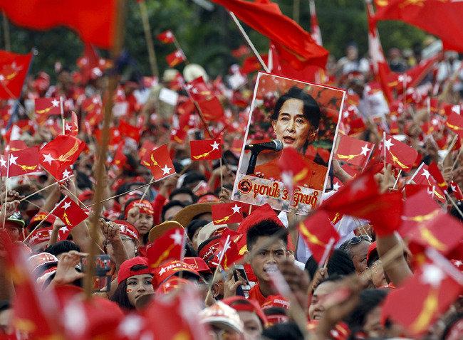 오늘 '변화의 땅' 미얀마에 절실한 것? 최선은 YS, 차선은 라모스