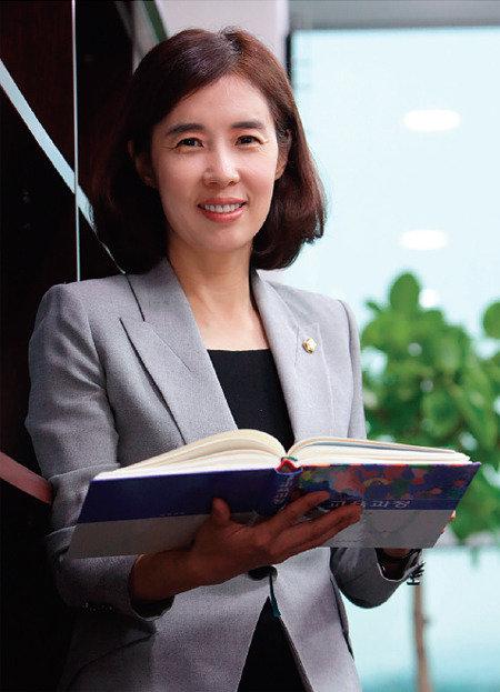 더불어민주당 새 대변인 박경미 의원