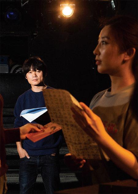 검열 다룬 연극 'CCIG-K' 연출가 이양구 극단 해인 대표