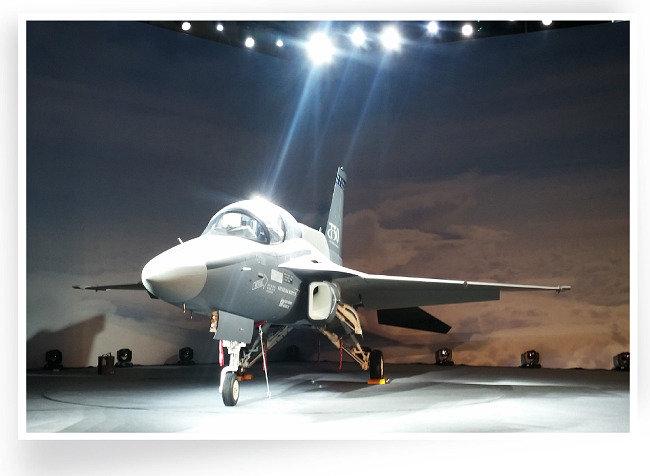 한국 T-50,  1년 뒤 美 하늘 날까?