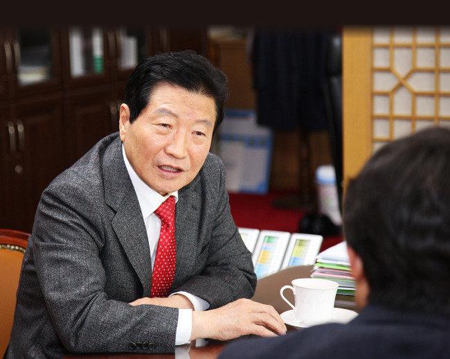"""""""분권형 개헌이 촛불 민심의 완성"""""""