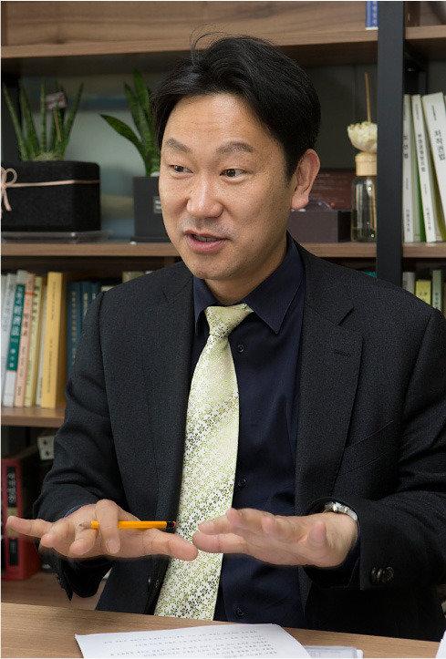 """""""탄핵 인용, '박근혜 소송' 승소 가능성 높여"""""""