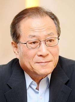 DJ·盧 정부 통일부 장관   文의 대북 자문역