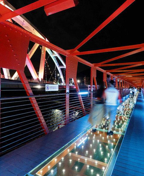 공업도시 창원, 관광으로 날다