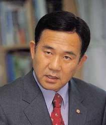 """""""'뒷돈 거래- 현대 특혜'  연결고리 있다"""""""