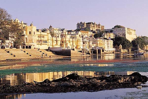 인도의 영광 간직한 낭만의 도시