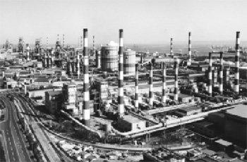 포스코 '쇳물 30년', 도전과 응전의 역사