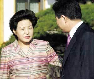 권양숙 여사가 털어놓은 청와대 생활 6개월