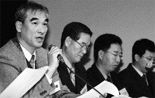 '중국판 문화 패권주의'와 정면대결