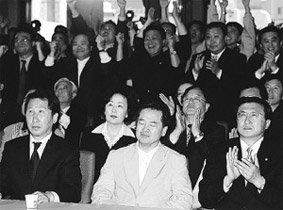 열린우리당, 당 정체성·주도권 놓고 '세력재편' 혈투 임박