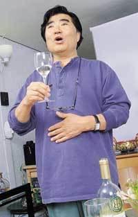 """""""전쟁터에서 즐기는 와인 맛을 아는가?"""""""