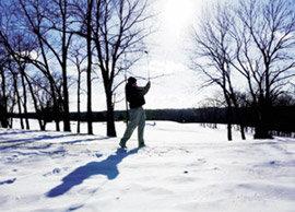 눈 덮인 그린에서 즐기는 겨울골프의 맛