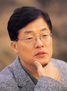 """황인오 전 조선노동당 중부지역당 총책 """"2004년 총선 직전, 한나라당 정형근 의원이 정치입문 제의"""""""
