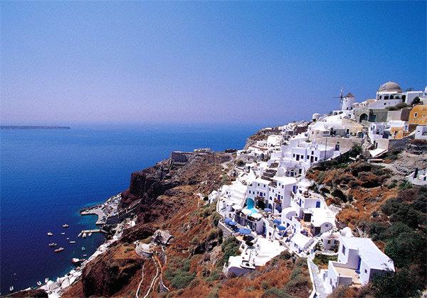 에게해의 바람과 햇볕 머금고 올리브가 익어가는 섬, 그리스 산토리니