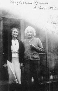 아인슈타인과 KGB 女스파이의 '10년 밀애'