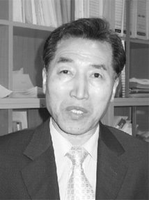 농민단체 대표해 쌀 협상 참여한 김충실 경북대 교수