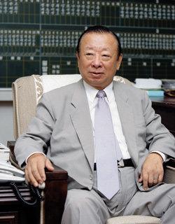 '450단' 바둑 명문, 충암학원 이홍식 명예이사장