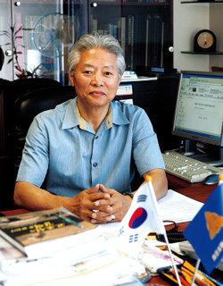 국사교과서 왜곡 헌법소원 낸 CEO 출신 역사바로찾기 운동가 강동민