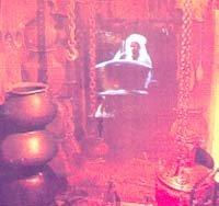 '인터걸'과 '홍등걸'이 판치는 아라비아의 밤
