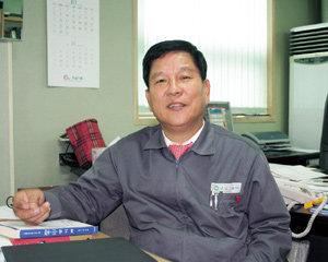 '한국형 나눔경영' 실현하는 최충경 경남스틸 사장