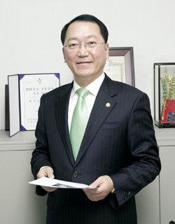 2006 국감 '3관왕' 최구식