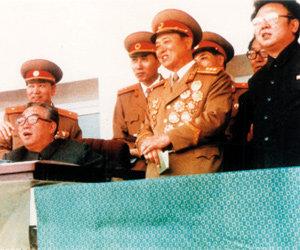 김일성-김정일 유일체제 구축에 희생된 북한 경제