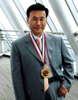세계평화상 받은 조폭 출신 자선사업가 이상훈