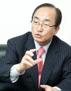 캐스팅 보트 거머쥔 국민중심당 대표 심대평
