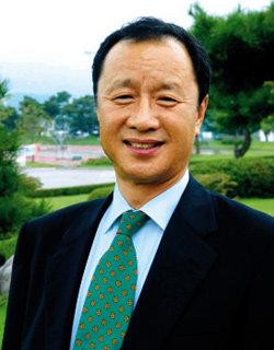 '경당' 복원한 동양대 총장 최성해
